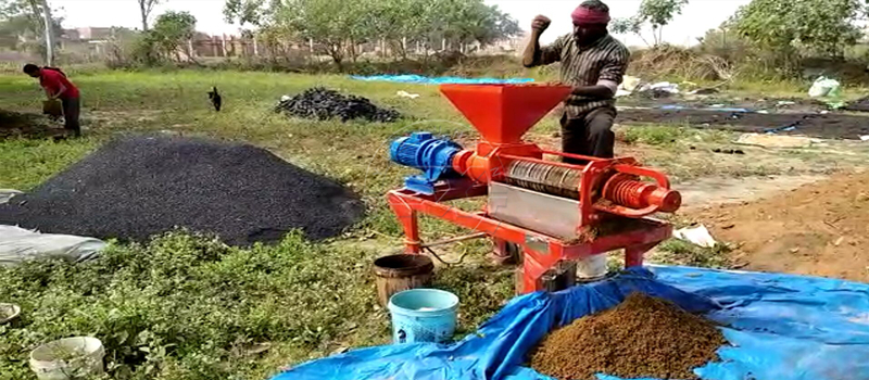Feedback on Dewatering machine on layer dung from Shunxin client in India