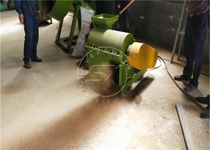 Small grinding machine for goat manure for granulation in Myanmar project