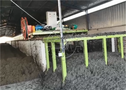 Groove Type Compost Turner for animal manure in Turkey