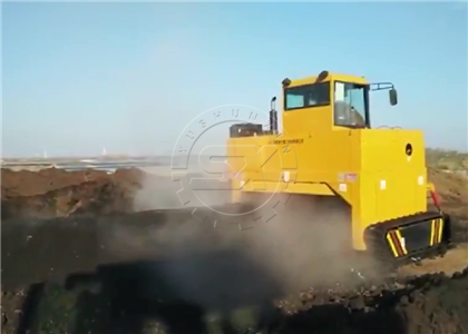 Great performance of Shunxin Crawler Turner in Chicken waste processing project in Malaysia